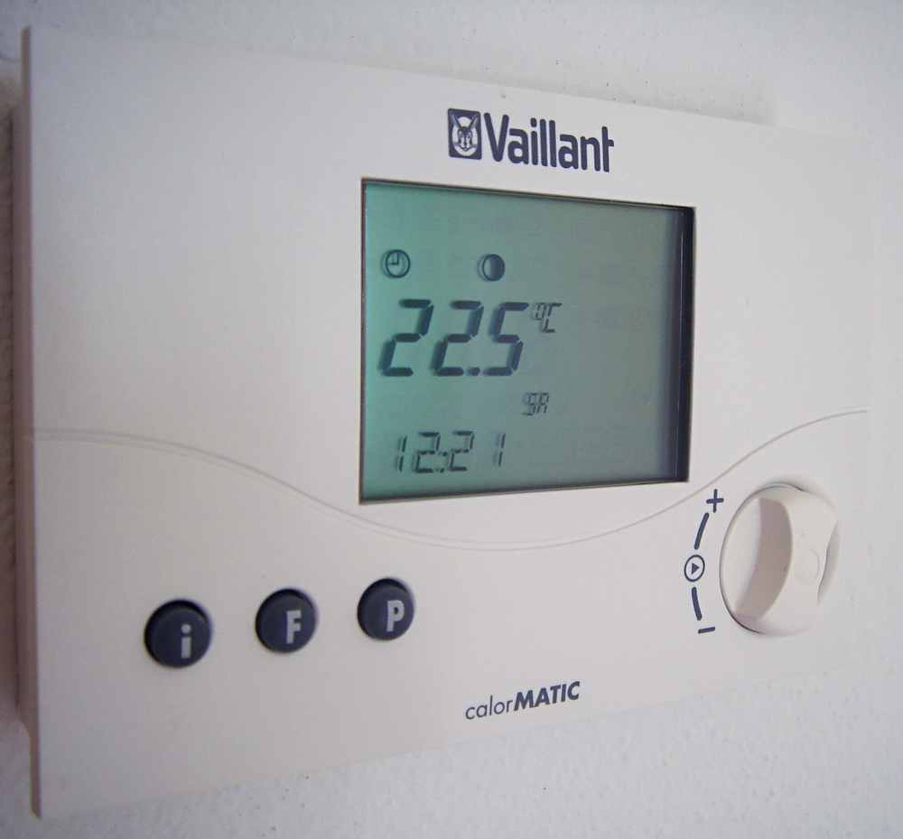 Room_Thermostat_Vaillant.jpg